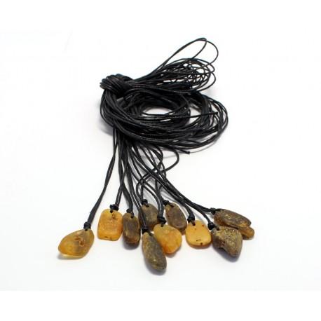 10 items Amber amulets AP99
