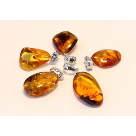 5 items Amber pendants AP109