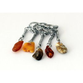 5 items Amber key chains KC17